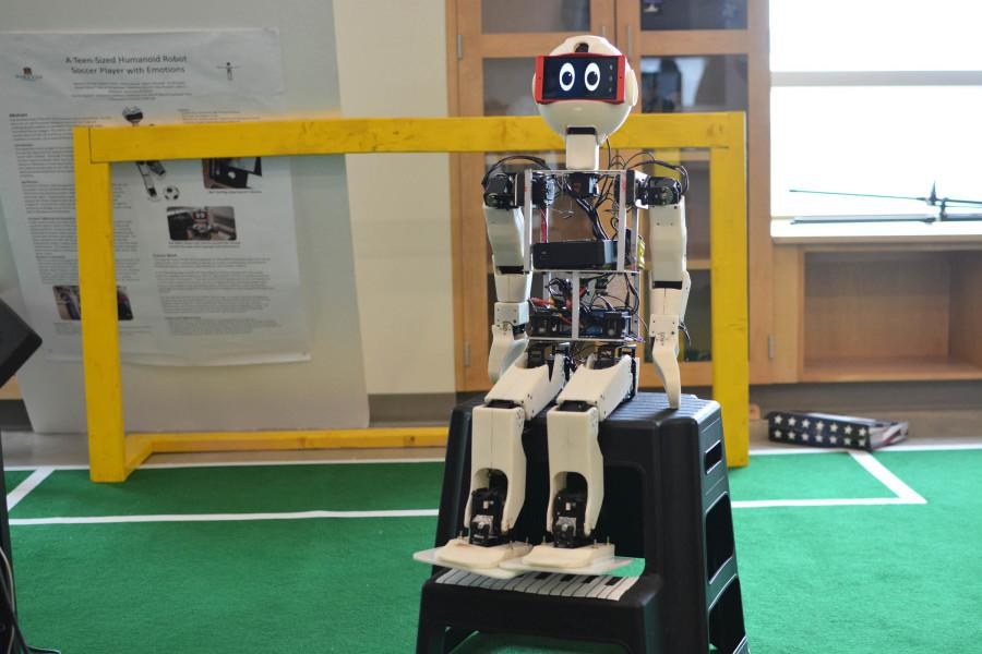 MU qualifies for robotic soccer event