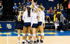 Volleyball falls further behind Creighton after weekend slip-up