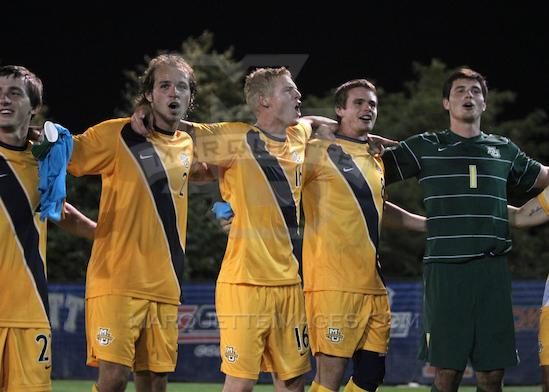 Redshirt sophomore goalkeeper Charlie Lyon (far right) has filled in seamlessly as the new goalkeeper for the 4-0-0 Marquette mens soccer team. Photo courtesy of Marquette Athletics.