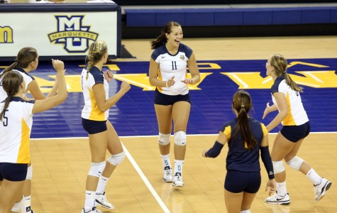 Volleyball falls to No. 3 USC, beats TCU in Marquette Challenge