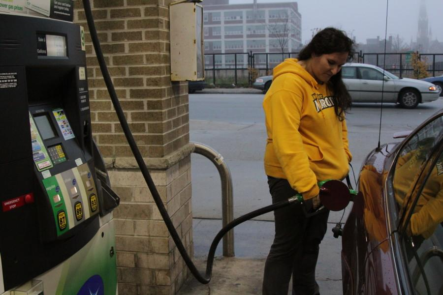 Gas prices continue to decrease