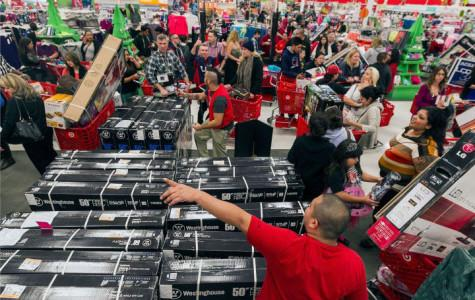 Black Friday shopping hits new highs