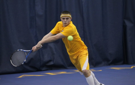 Both tennis teams split weekend matches