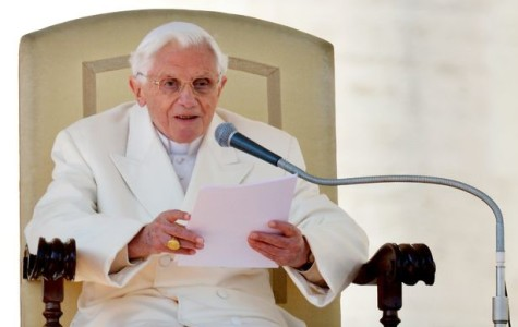 Benedict gives final address as pope