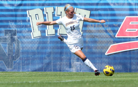 WSOC Splits Weekend Matches