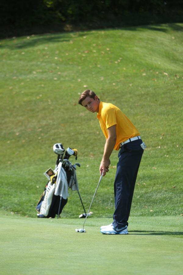 Two golfers place in Top-10 at Badger Invitational