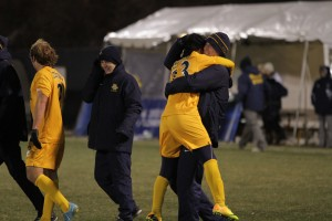 Men's soccer advances to round of 16