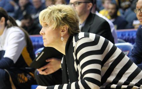 Women's basketball still without a head coach