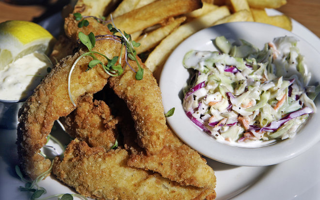 Milwaukee s best friday fish fries marquette wire for Best fish fry milwaukee