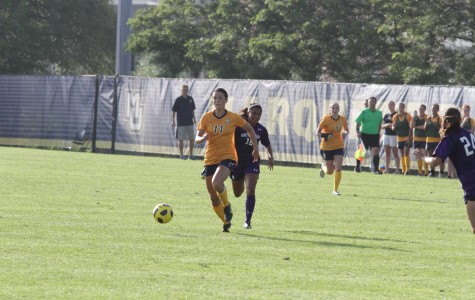 Women's soccer loses first regular season home game since 2010