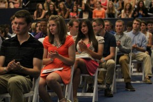 First year students took a pledge at New Student Convocation. Photo by Denise Xidan Zhang / xidan.zhang@marquette.edu