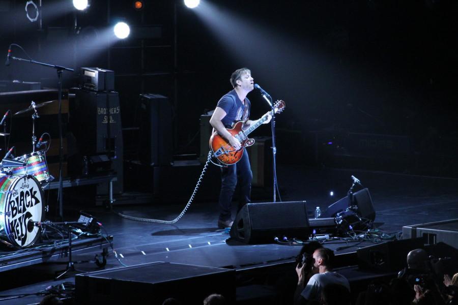 Guitarist and vocalist Dan Auerbach impresses fans with intricate lyrics. Photo by Maddy Kennedy/ madeline.kennedy@mu.edu.