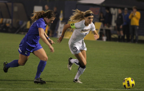 Women's soccer split final home stand of Big East play