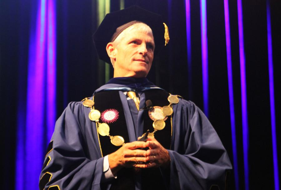 Lovell receives, gives praise in inauguration