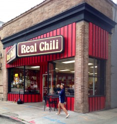 I decided to pay a visit to this other branch to get a bowl of this late-night favorite and to get the real story behind Real Chili.