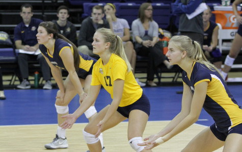 Volleyball splits against Georgetown, Creighton