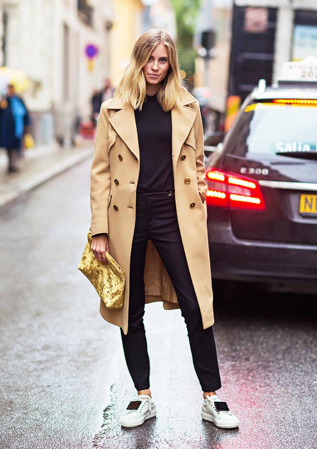 A New Go-To Look: Trench Coat and Sneakers