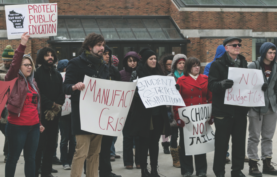 UW-Milwaukee students protest Gov. Scott Walker's proposed budget cuts