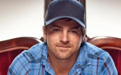 Kip Moore Warms Chilly Tuesday Night With Stage Presence