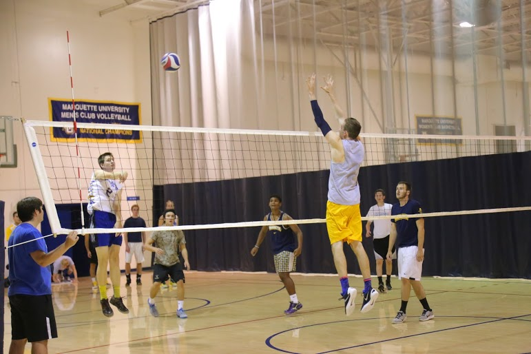 Marquette+men%27s+volleyball+practices+every+Tuesday+at+the+Marquette+Rec+Center.+Photo+by+Yue+Yin%2Fyue.yin%40marquette.edu