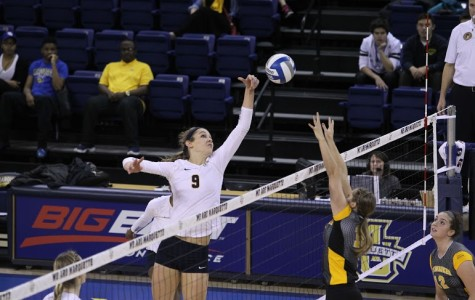 Volleyball rips through DePaul in straight sets
