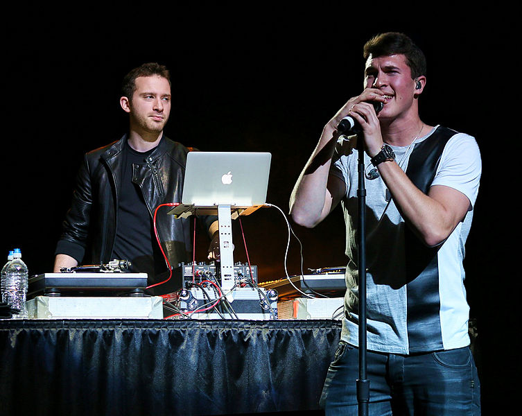 Timeflies performing at B96's Christmas for the Kids in 2014.