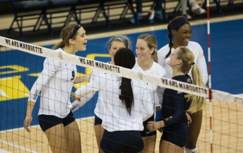 Volleyball notches two wins to keep pace in BIG EAST