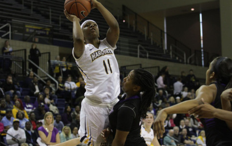Women's basketball falls to 0-3 with loss to NKU