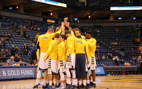 2015 - '16 men's basketball team Photo by Yue Yin /yue.yin@marquette.edu