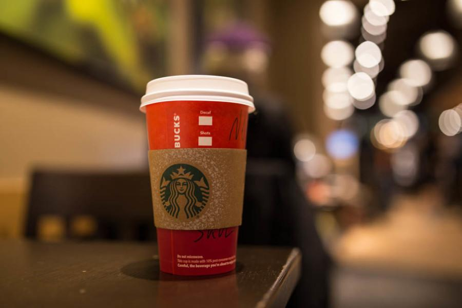 HANNAN%3A+Starbucks+holiday+cups+are+the+latest+casualties+of+the+%27War+on+Christmas%27
