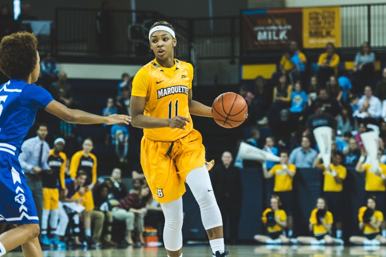 Allazia+Blockton+set+the+Marquette+freshman+scoring+record+in+her+21-point+effort+Sunday.+%28Photo+by+Mike+Carpenter%2Fmichael.carpenter%40marquette.edu%29