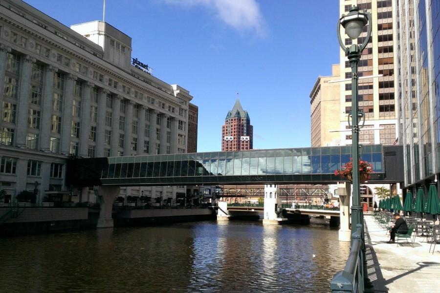 Skywaukee tours showcase historical Milwaukee indoors