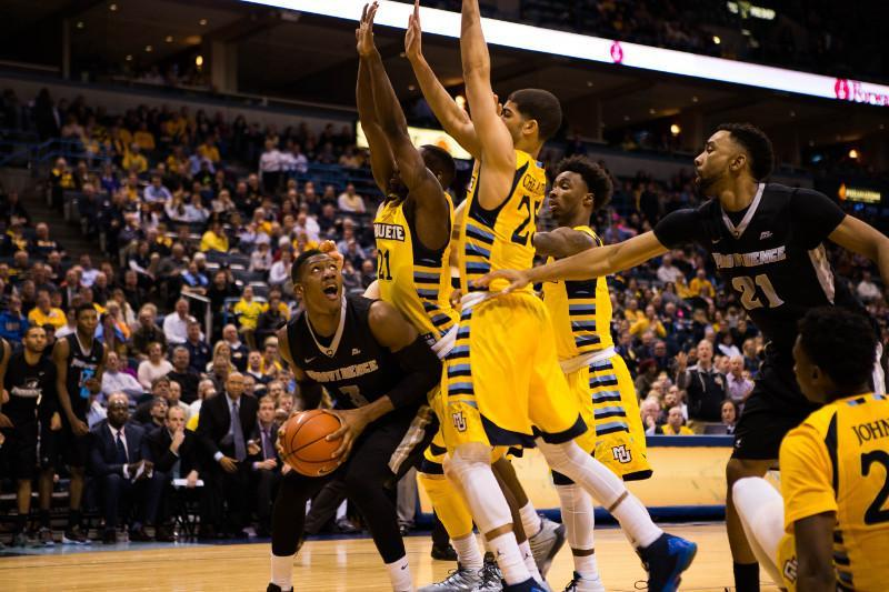 Dunn+scored+17+points%2C+including+the+basket+to+send+the+game+to+overtime++%28Photo+by+Meredith+Gillespie%2Fmeredith.gillespie%40mu.edu%29