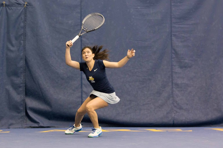 Senior+Aleeza+Kanner+is+6-0+in+singles+play+this+season.+Photo+by+Ben+Erickson%2Fbenjamin.a.erickson%40marquette.edu
