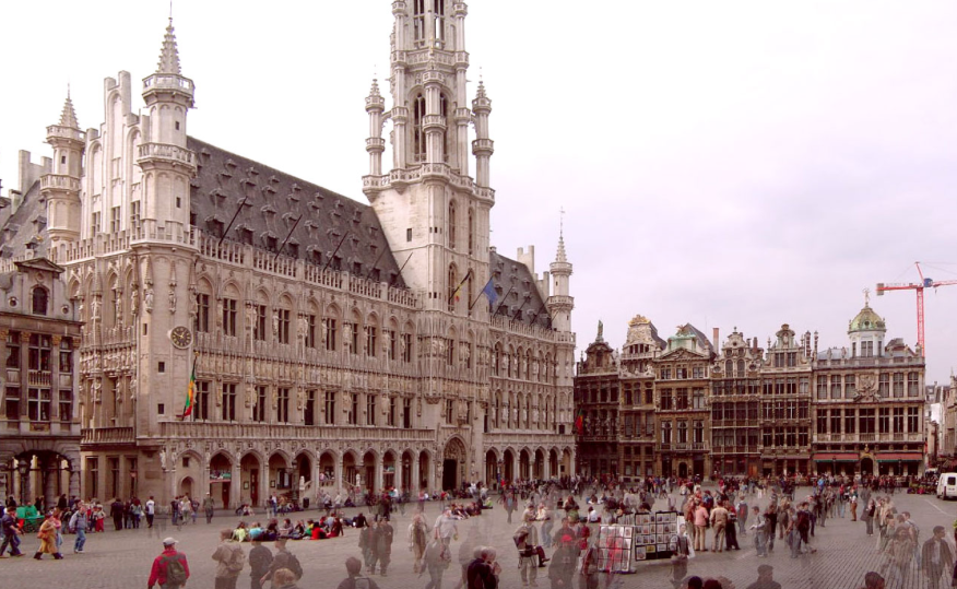 A photograph of Grand Place in Brussels. Photo via www.wikimedia.org