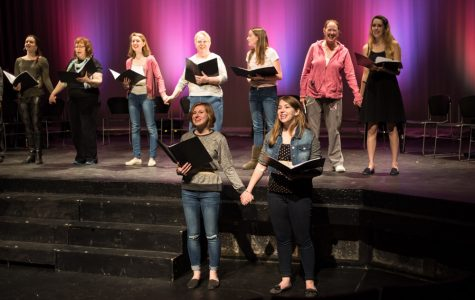 Theatre honors peace activists