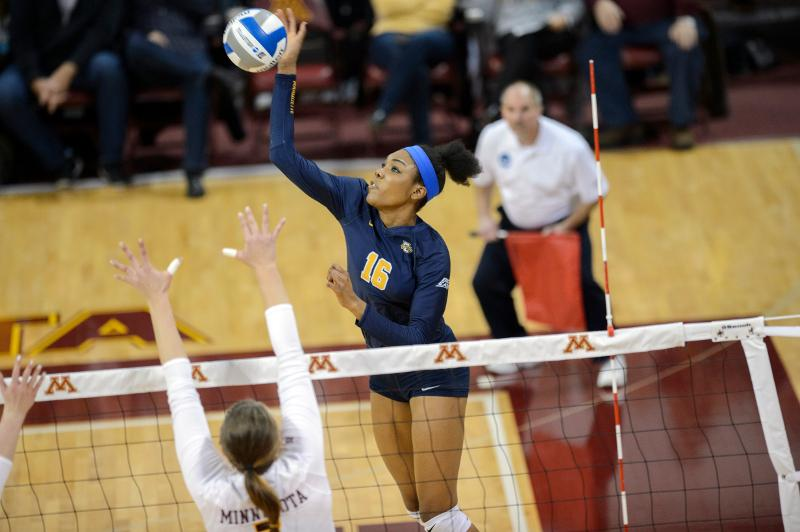 Taylor Louis will be relied upon if volleyball continues their strong start.