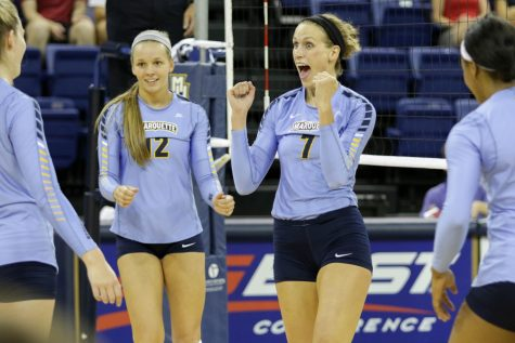 Women's volleyball loses to Seton Hall on senior night