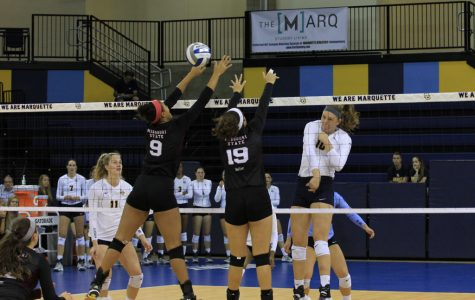 Volleyball completes weekend sweep at Marquette Invitational