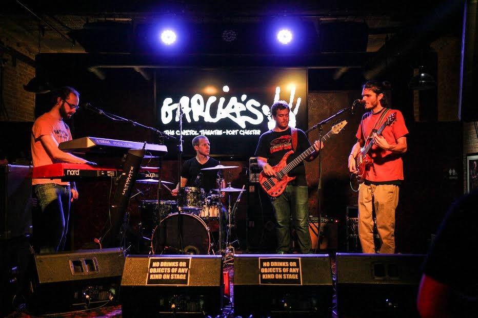 Goose performs live. Phot via: gooseband.us