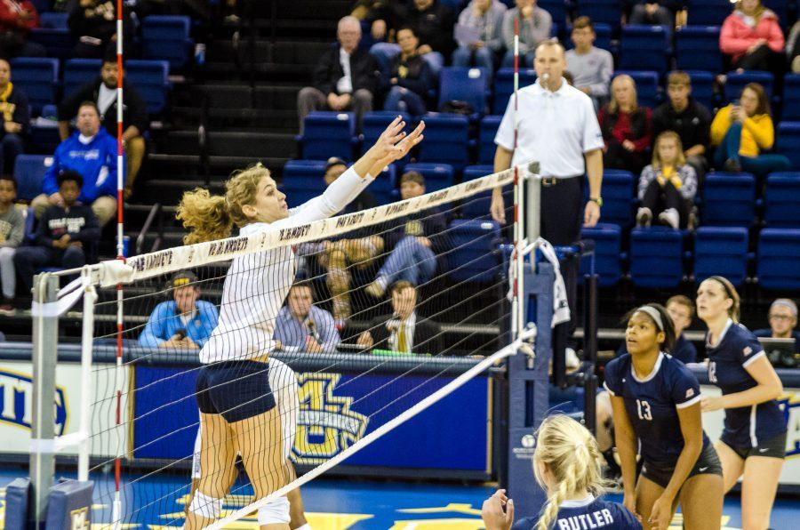 Volleyball survives Butler in five-set victory