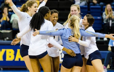Volleyball must deal with Washington State's size in tournament game