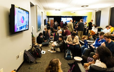 Hundreds of students attend viewing party in jPad