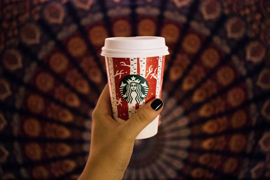 After 'Grinchy' 2015, Starbucks holiday cups back on nice list