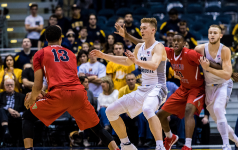 Floor slaps: Hauser shines again in narrow win over Fresno State