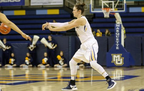 Women's basketball prevails in back-and-forth contest at Seton Hall