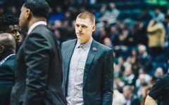 Henry Ellenson makes return to Bradley Center as a Piston