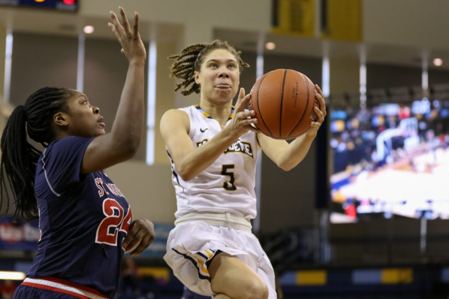 Natisha Hiedeman led the Golden Eagles with 19 points.