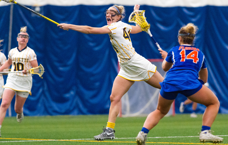 Fran Meyer stretches out to intercept a pass against Florida.