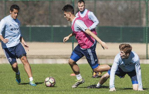 Bennett signs former U.S. Youth National Team midfielder Albelo